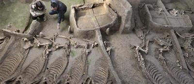 1500-YEAR OLD CEMETRY WITH TOMBS DISCOVERED IN CHINA